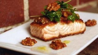Salmon walnut